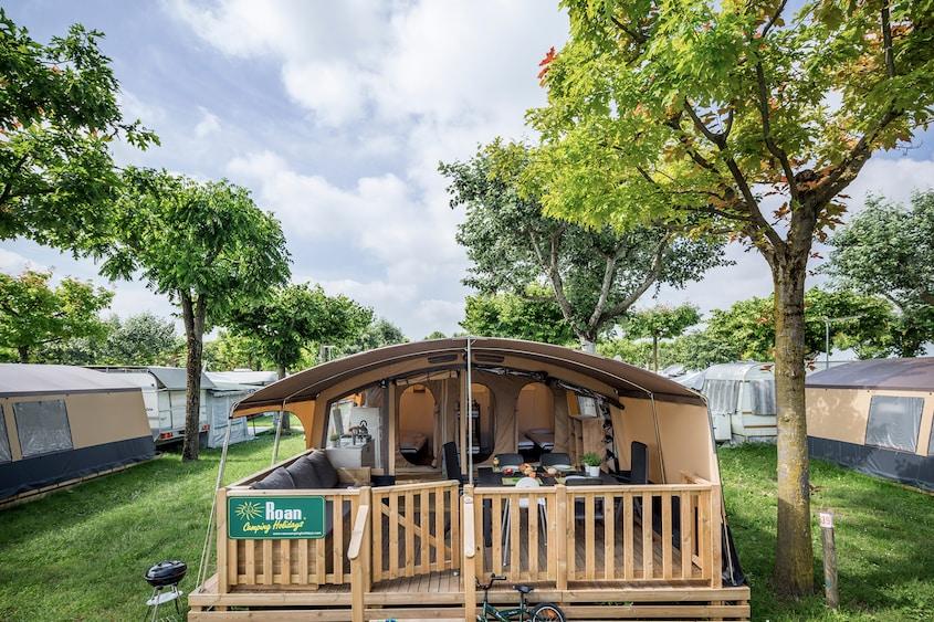 lodge-tent